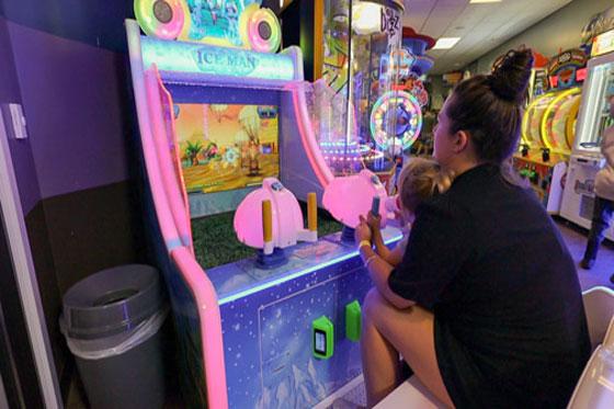 /uploads/2020/01/23/5e29cc2235ddfLarry-Arcade-3.jpg